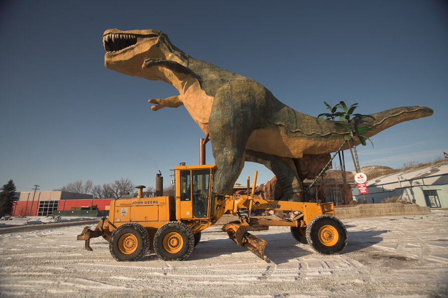 world's largest dinosaur - offseason