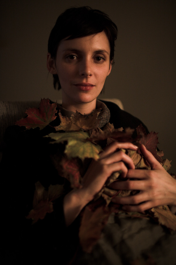 sarah, leaves, chair